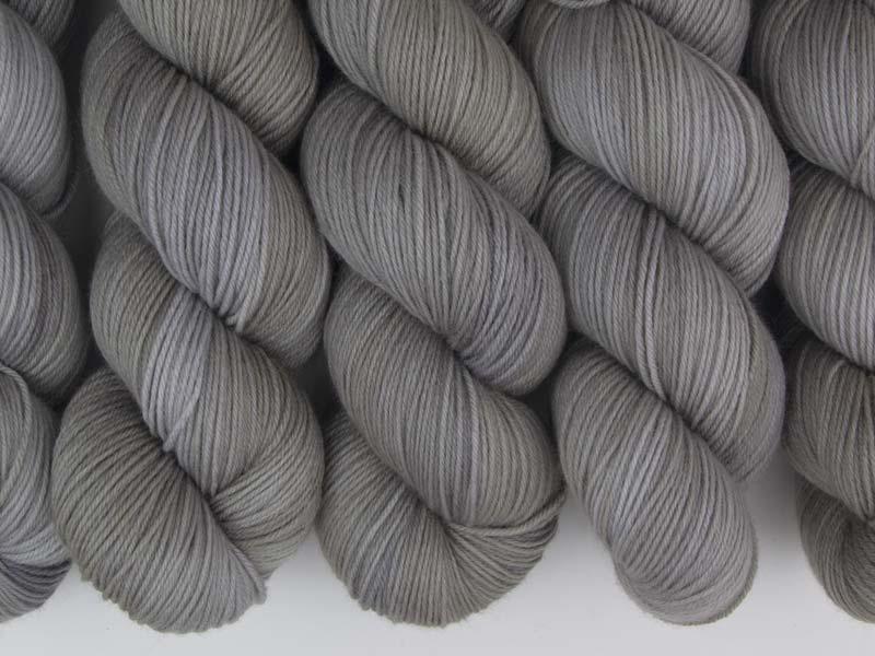 Q - 100g Sockenwolle Merino