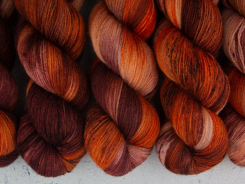 IT'S NEVER LUPUS - 100g BFL Lace