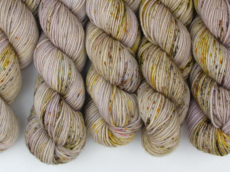 DIE HARD - 115g Squishy Merino