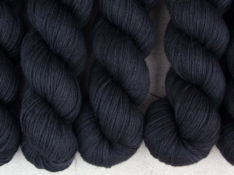 BLACK HOLE - 100g Merino Sport