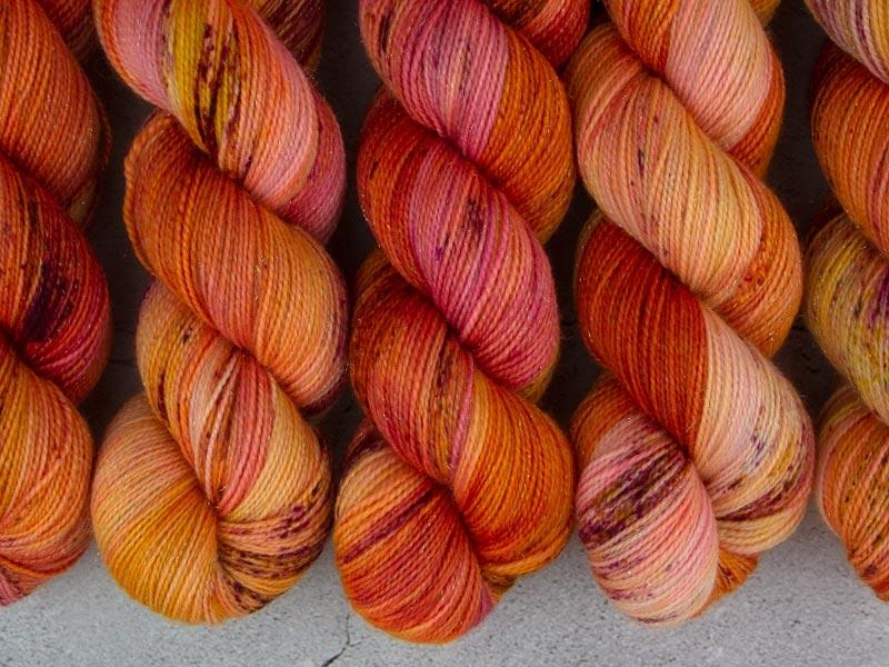 PRINCESS PEACH - 100g sparkling sock yarn