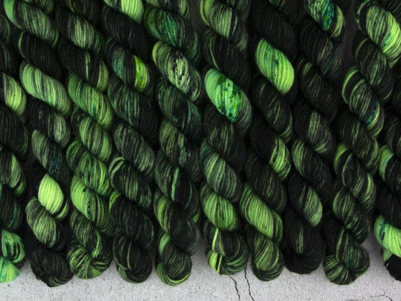 PANDEMIC - 20g Mini Sockenwolle
