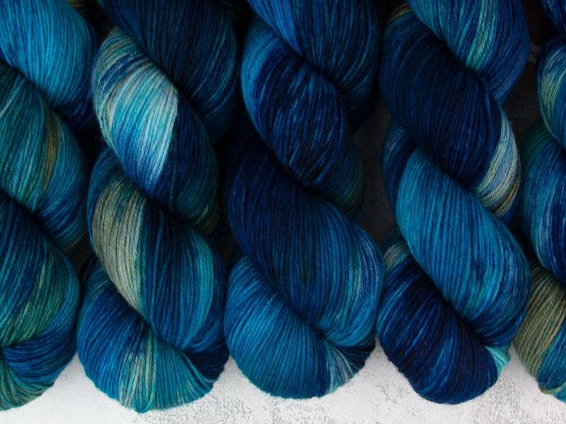 TOTORO - 100g merino sock yarn