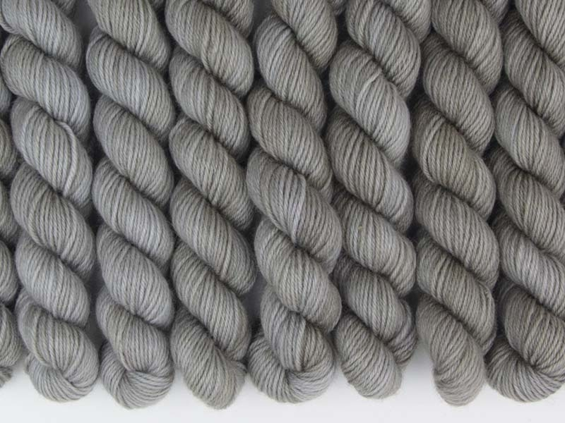 Q - 20g mini sock yarn