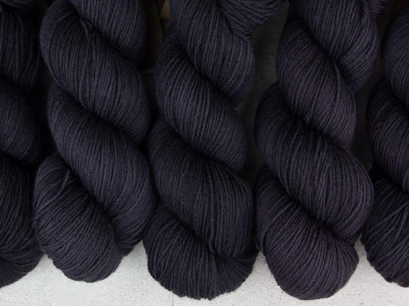 BLACK HOLE - 100g merino sock yarn