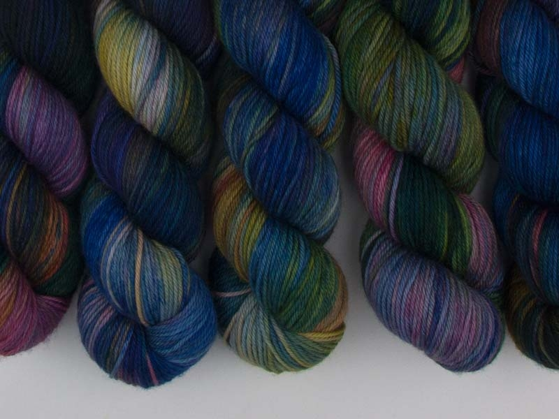 I WANT TO BELIEVE - 115g Squishy Merino