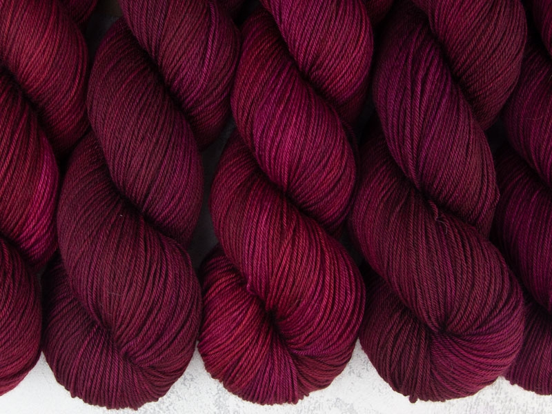 FIRE AND BLOOD - 100g Pure Merino