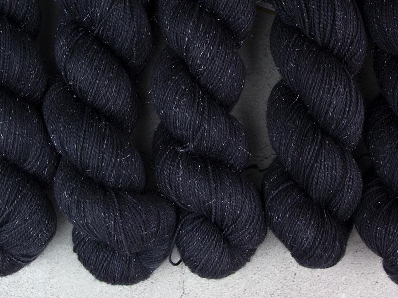 BLACK HOLE - 100g sparkling sock yarn