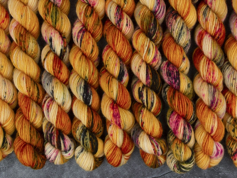 AZEROTH - 20g mini sock yarn